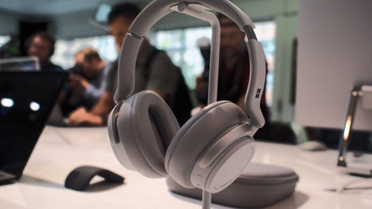 Microsoft launches new surface headphones with great noise cancellation levels